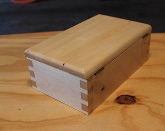 Maple keepsake box