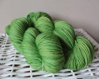 Green Leaf - DK superwash merino yarn