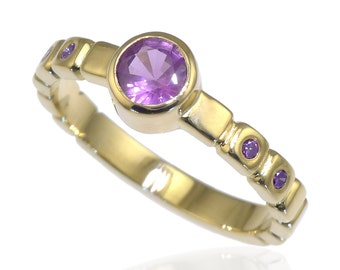 Size L (US 5 1/2) Purple Sapphire and Diamond Ring in 18ct Yellow Gold