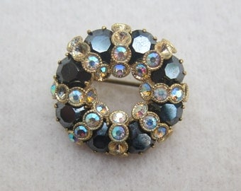 40% OFF !! Vintage elegant black white rhinestone round brooch-as it is