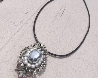 Vintage Jewel Pendant Necklace