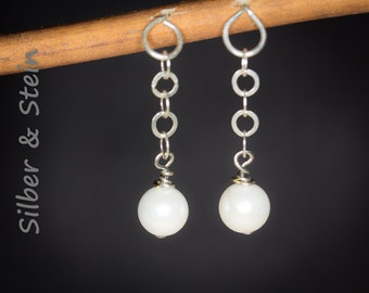 Pearl Earrings With Little Silver Chain
