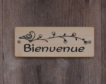 Welcome sign in French,Bienvenue sign