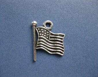 10 Amerian Flag Charms - American Flag Pendants - America Charms -Flag Charms - Patriotic Charms - Silver Tone - 12mm x 9mm -(Y4-10444)