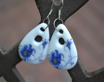 30% SALE Blue and White Chinese Earrings Porcelain Blue China Earrings Dangle Blue Earrings Blue Chinese Earrings Blue China Vintage Blue Ea