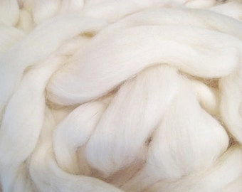 White Soft Wool Roving Top for Spinning, Felting, Dyeing