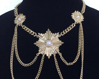Beautiful, fashionable gold necklace