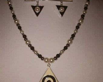 Bull's Eye Necklace Set - Bulls Eye - White Glass Pearl Necklace - Black Glass Pearl Necklace - Triangle Pendant - Triangle Necklace Set