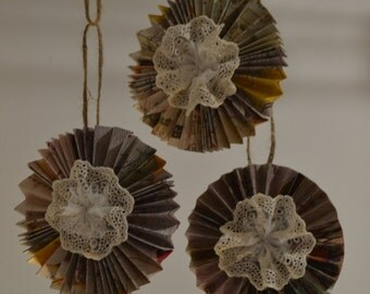 Paper and Lace, Vintage Style Ornament Set of 3 (A103)