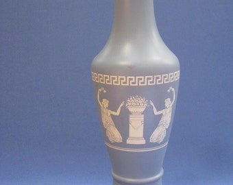 Wedgewood-type vase with Roman-Greco style, satin glass
