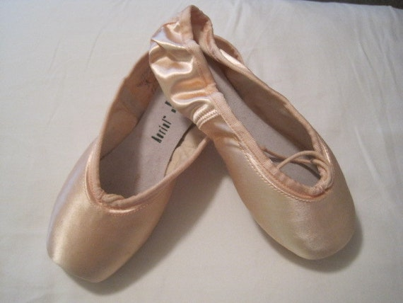 Ballet pointe shoe for crafts and decoration new size for Ballet shoes decoration