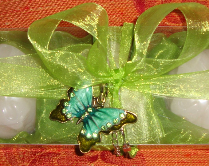 Green Butterfly-Elegant Gift Set for Women with Luxury Scented Soaps & a Jewelry Necklace: Ideal for Anniversary, Feast, Birthday, Party