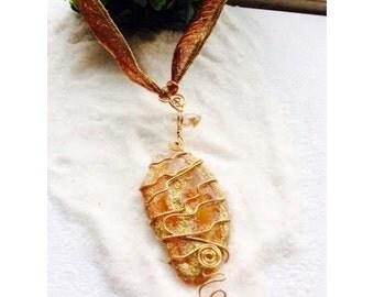 Carnelian pendant necklace and rock crystal-Gaia 602.