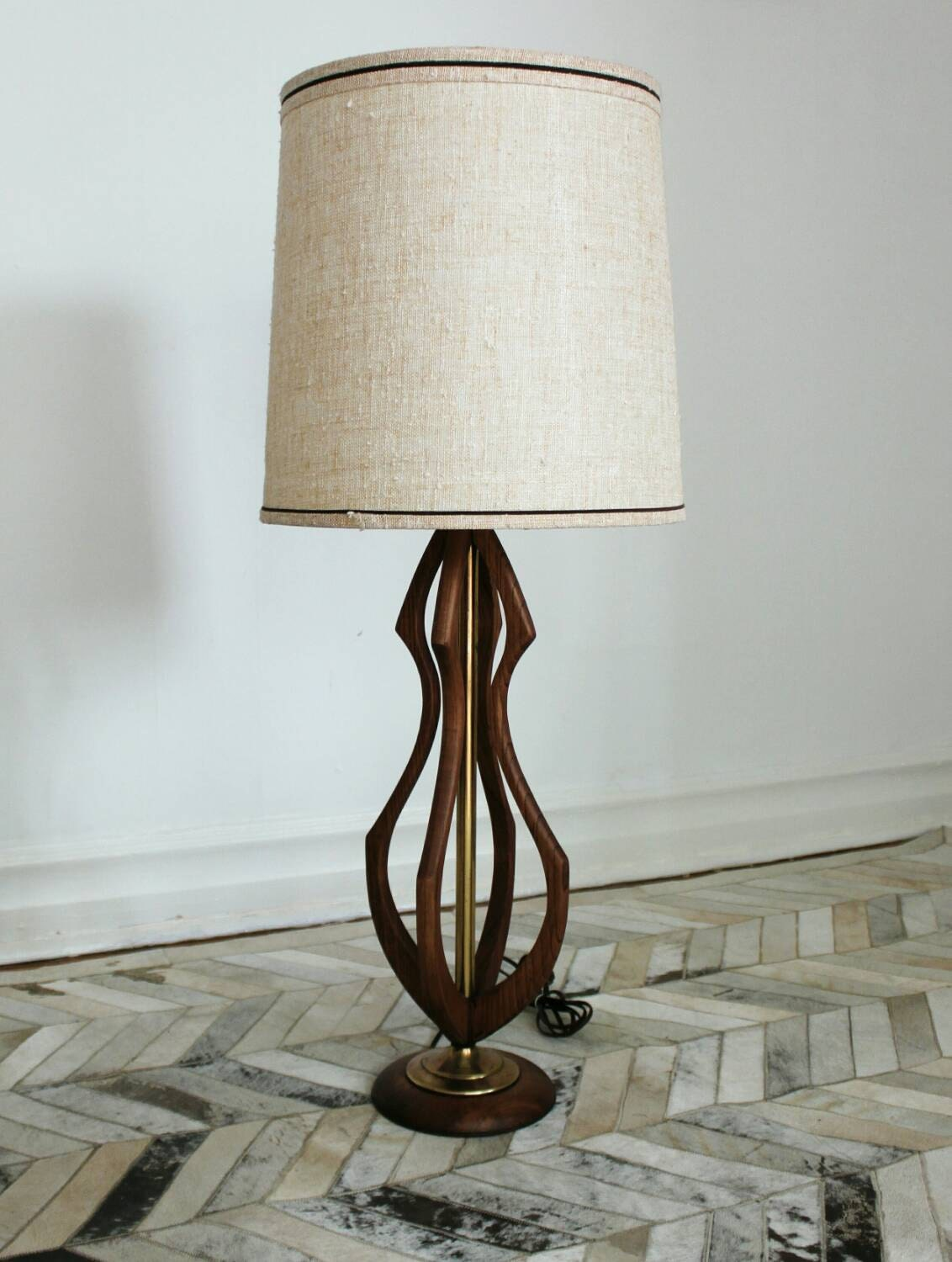 sold mid century wood and brass table lamp by paulovnia on etsy. Black Bedroom Furniture Sets. Home Design Ideas