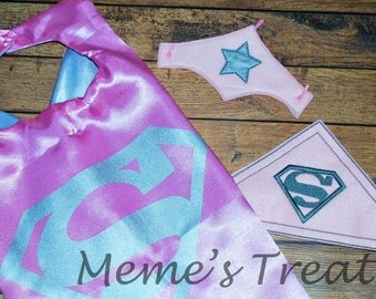 REVERSIBLE Two Color Superhero Cape and Felt Cuffs - Child Cape - Party Favor - Boys / Girls Cape and Cuffs – MMTC0012