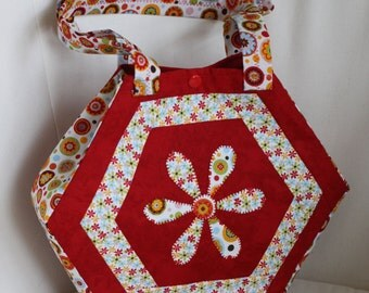Hexagon patchwork red hand bag