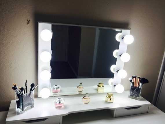 Hollywood Starlet Lighted Mirror by CrystalVanity on Etsy