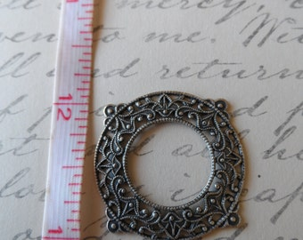 Filigree Frame Oxidized Silver 28mm