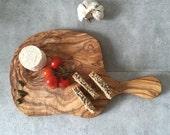 Olive Wood Cutting Board / Chopping Board, medium, round shape, with handle - 13 x 7.5''
