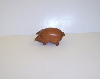 "Vintage decorative hand carved pig, Natural, 4"" X 2"""