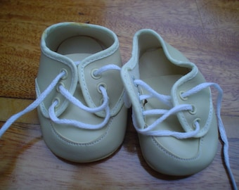100mm Cream  Oxford Style Baby Doll Shoe Code CT211/2