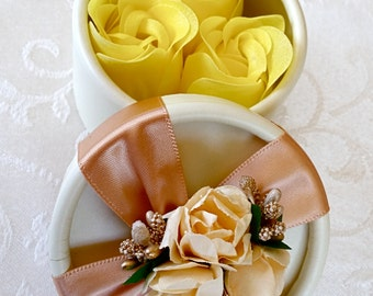 Wedding Favor Box, Round Candy Wedding Favor Box with Flower and Bows, Wedding Gift Box