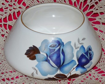 Davey Ware of Port Elliott small nuts sweets bowl white ground with blue roses; sticker intact vintage 1960s