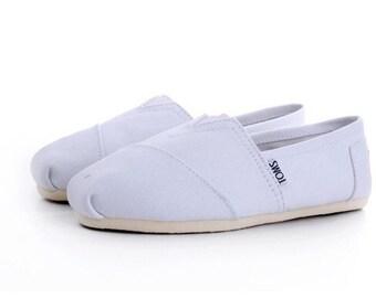 05e47f38761 Custom painted toms shoes jpg 340x270 Custom shoe toms logo