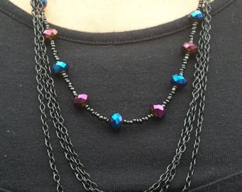 Iridescent black necklace