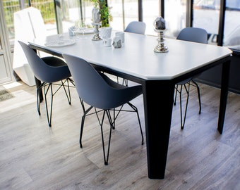 Dining Collection OriGademi table: Metal and Corian Iron Steel and Corian.