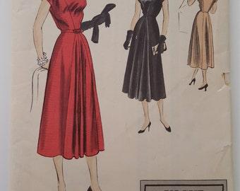 Vogue 4055 Vintage Sewing Pattern