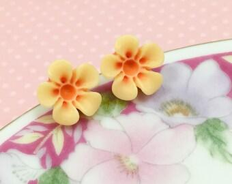 Orange Daisy Stud, Orange Flower Earrings, Orange Daisy Earrings, Surgical Steel Ear Stud, Flower Girl Earrings, KreatedByKelly