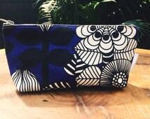 Cosmetic Bag Blue Garden Flowers, Floral Makeup Bag, Blue Makeup Case, Cosmetic Case, Toiletry Bag, Betty Cosmetic Bag, Zipper Pouch Blue
