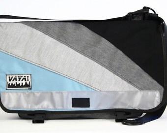 Messenger bag in blue, grey and black