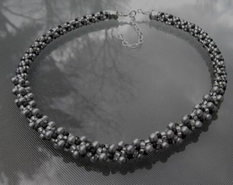 Gris Carol Kumihimo Necklace