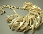 Vintage/ antique/ estate Art Deco 1940s, huge mother of pearl, costume necklace - jewelry / jewellery