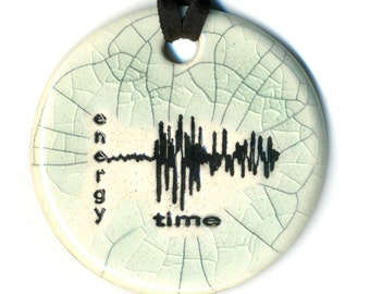 Richter Scale Ceramic Necklace in Crackle