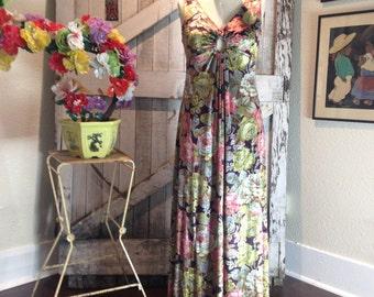 1970s velour maxi dress Vintage floral print dress 70s bohemian gown Size medium peek a boo key hole
