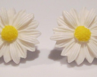 white resin daisy flower with yellow center pierced post hand made earrings