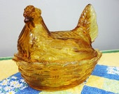 Vintage Hen on Nest Covered Dish in Amber - Mint Condition