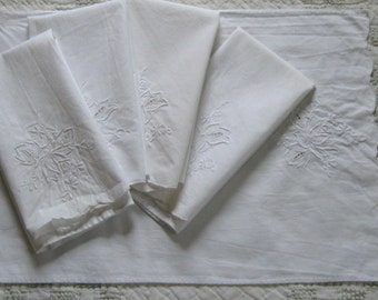 linen napkins . embroidered linen . white on white linen . Linen and Lace Placemats .  Lot of 5