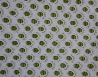 Green and Cream Leaf Pattern Cotton Fat Quarter