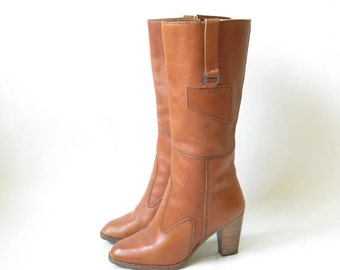 Vintage 80s Brown Leather Wooden Stacked heel Boho Boots. Size 6 1/2