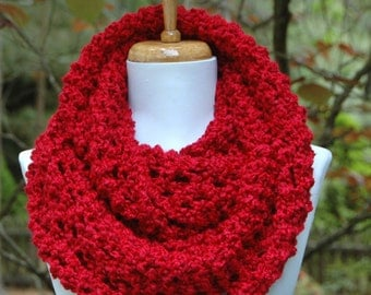 Red Chunky Knit Infinity Scarf, Chunky Knit Scarf, Candy Apple Red Scarf, Winter Scarf, Women Scarf,Vegan Scarf, Knitted Scarf, Circle Scarf