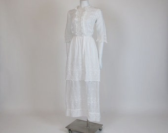 1910s dress / White Boho Lawn Embroidered Vintage 1910s Wedding Dress