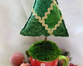 Quilted Christmas, Tree Centerpiece - Pin Cushion