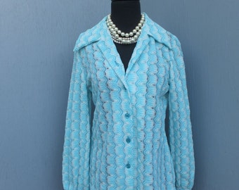 Vintage 1970s Blue and White Polyester Knit Blouse / size 14