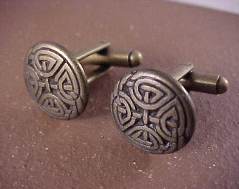 SALE Bronze Eternal Knot Clothing Button Cuff Links - Free Shipping to USA