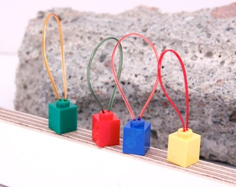 Silmuccamerkki- Knitting Stitch Markers, Light weight knitting place markers made out of tiny Lego blocks