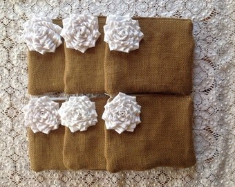 Set of 6 Bridesmaid Clutches, White Wedding Bags, Makeup Bag, Rustic Wedding Gift, Bridal Party Gift, Burlap Bag, Maid Of Honor, Bags Purse